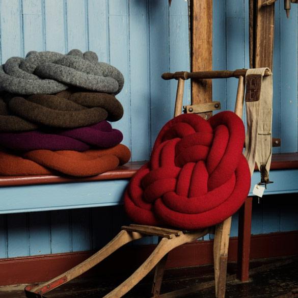 Notknot-pillows-1