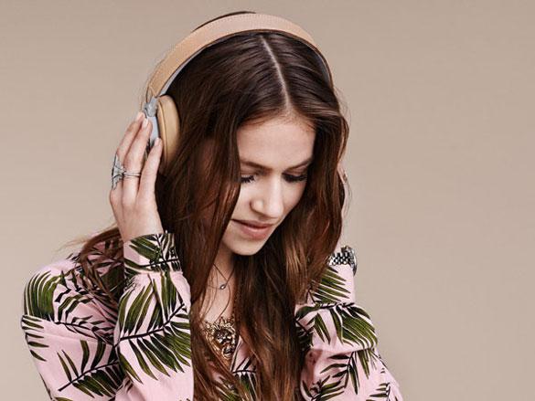 Beoplay-headphones-2