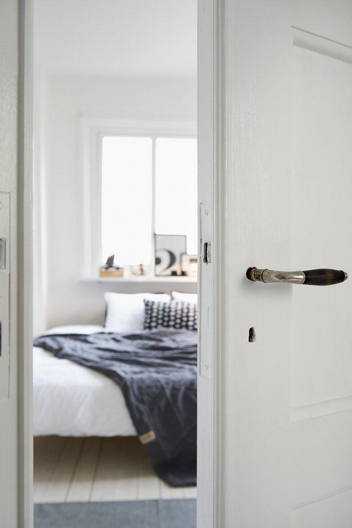 Charming-swedish-apartment-11