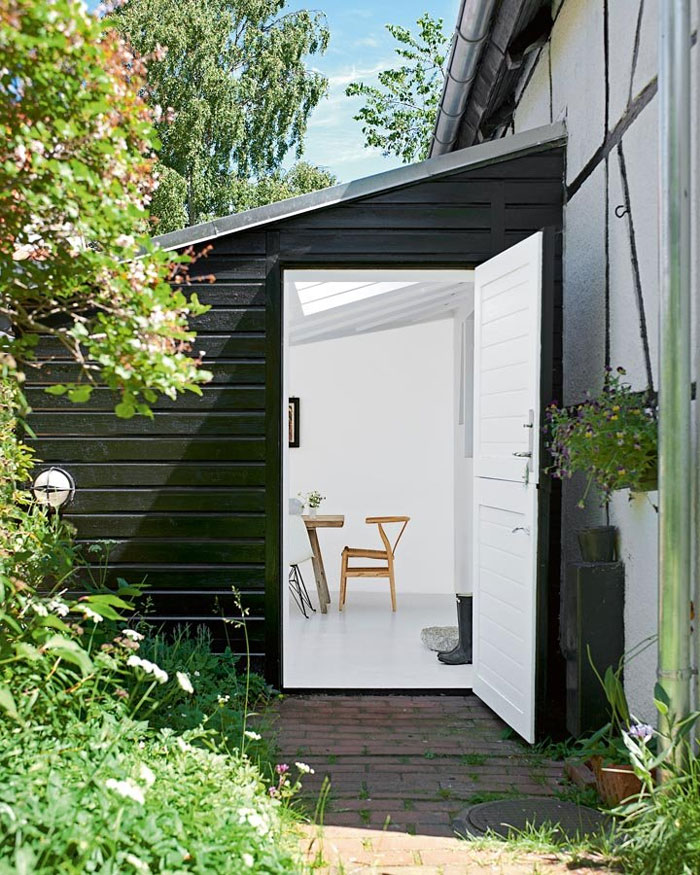 Renovated-Fisherman-cottage-Denmark-2