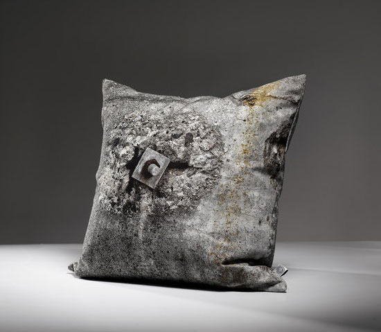 Tom-Haga-concrete-cushions-2