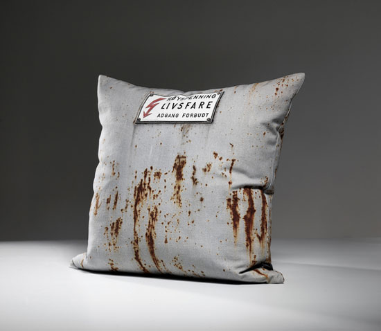Tom-Haga-concrete-cushions-4