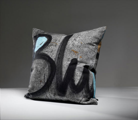 Tom-Haga-concrete-cushions