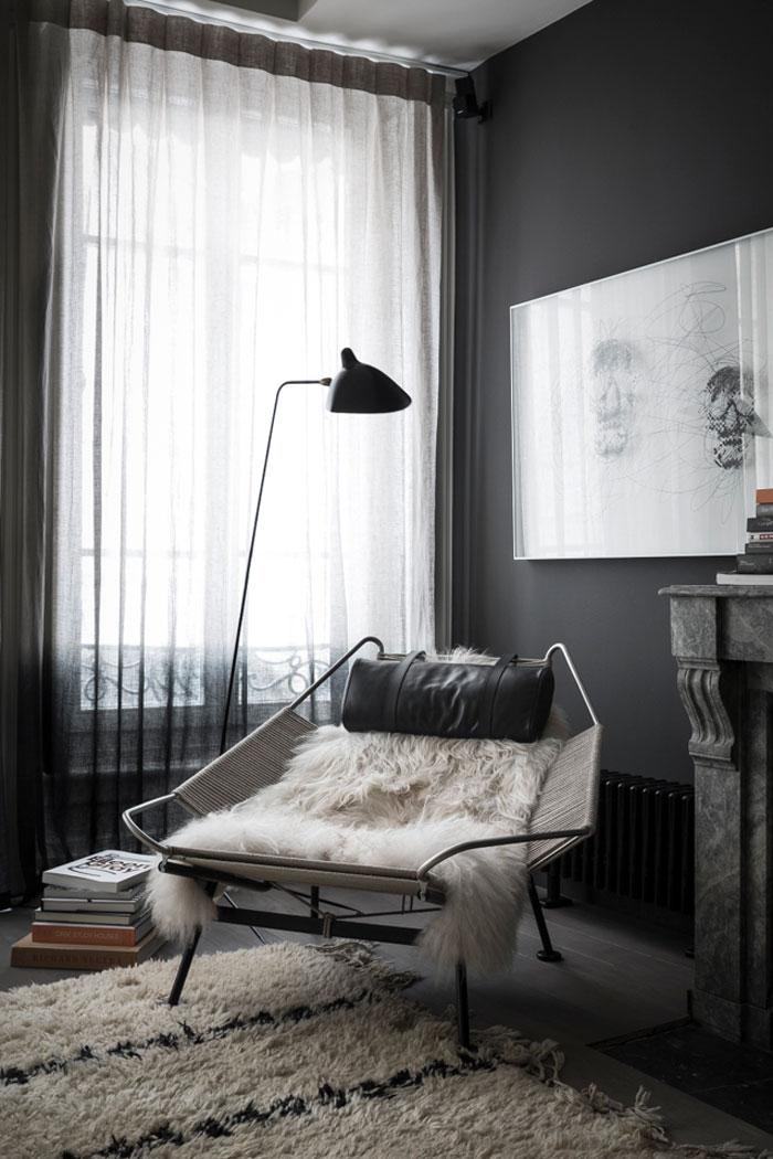 Black-apartment5