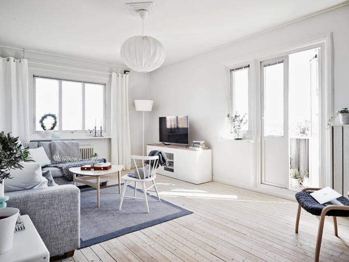 Light, airy and charming apartment in Sweden_1