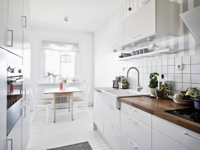 Light, airy and charming apartment in Sweden_4