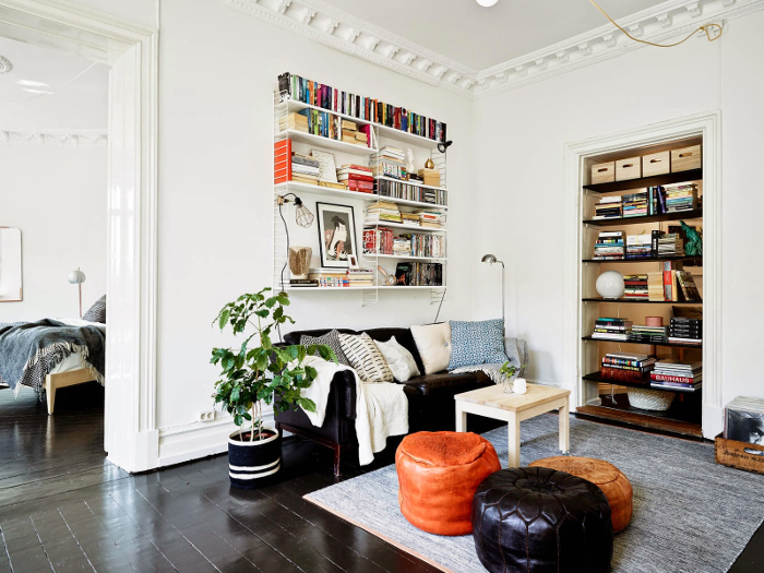 Bohemian black and white apartment in Sweden_4