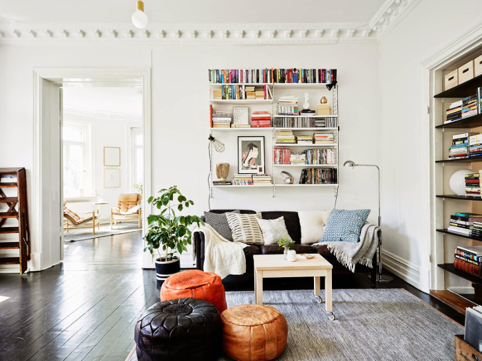 Bohemian black and white apartment in Sweden_5