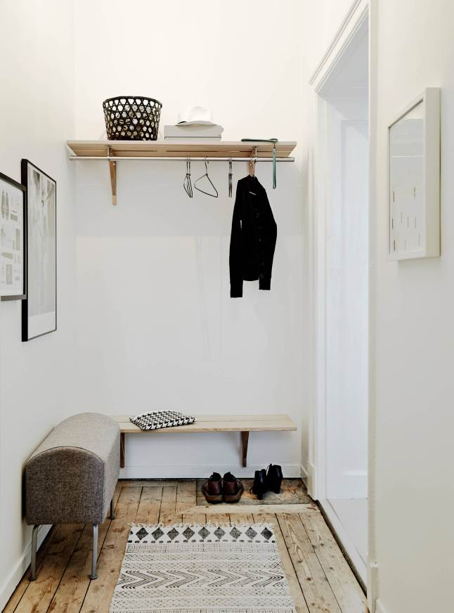 Elegant and light apartment_11