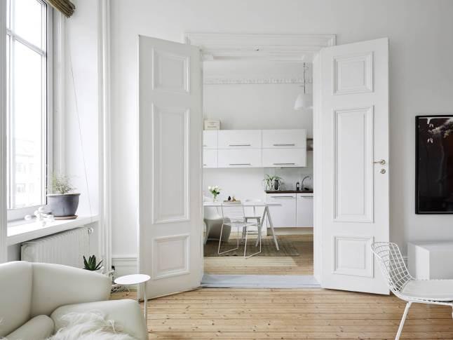 Elegant and light apartment_3