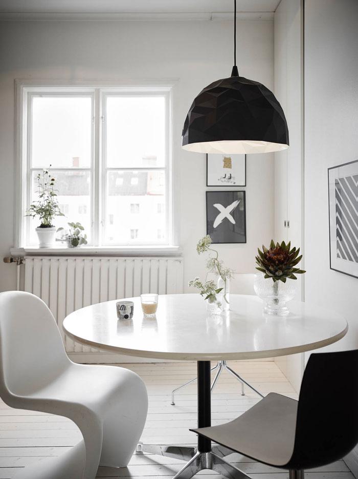 Fun-design-filled-apartment-10