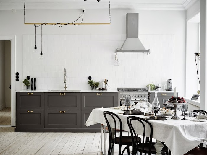 A majestic Swedish home in black, white and grey_1