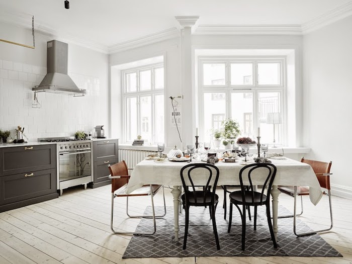 A majestic Swedish home in black, white and grey_2