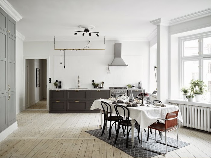 A majestic Swedish home in black, white and grey_3