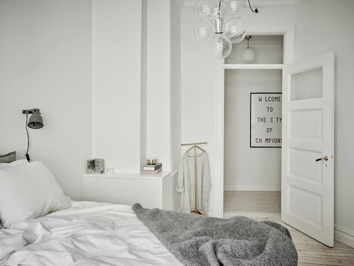 A majestic Swedish home in black, white and grey_7