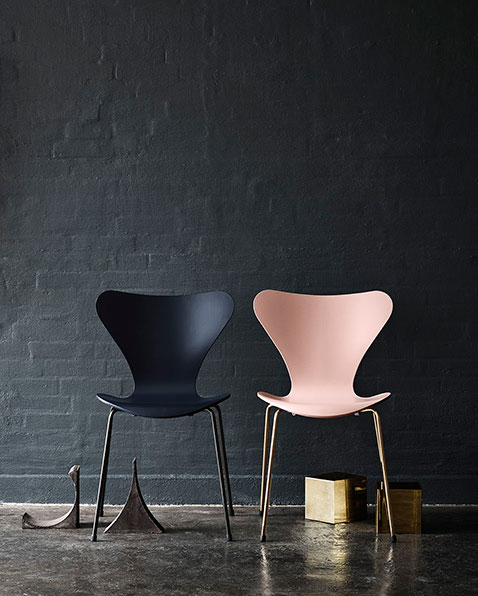 Arne-Jacobsen-chair-anniversary