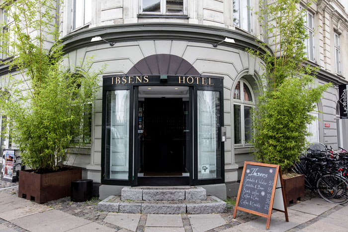 Ibsens-Hotel-Front
