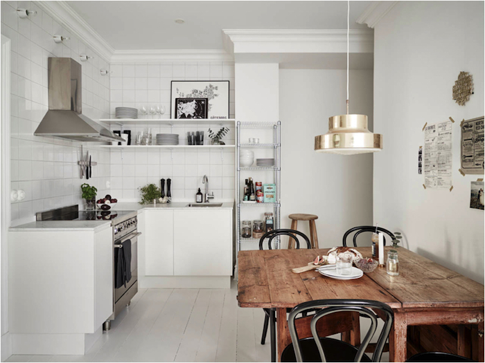 Lovely city apartment with a beautiful kitchen_4