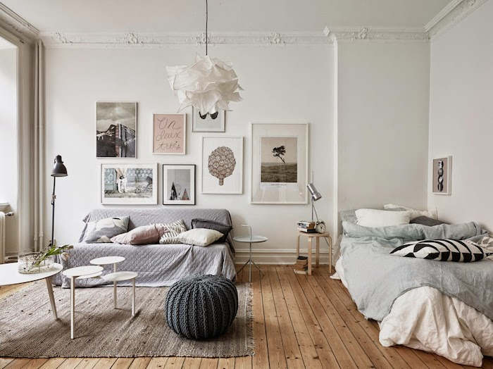 Pretty and airy studio in soft hues_1