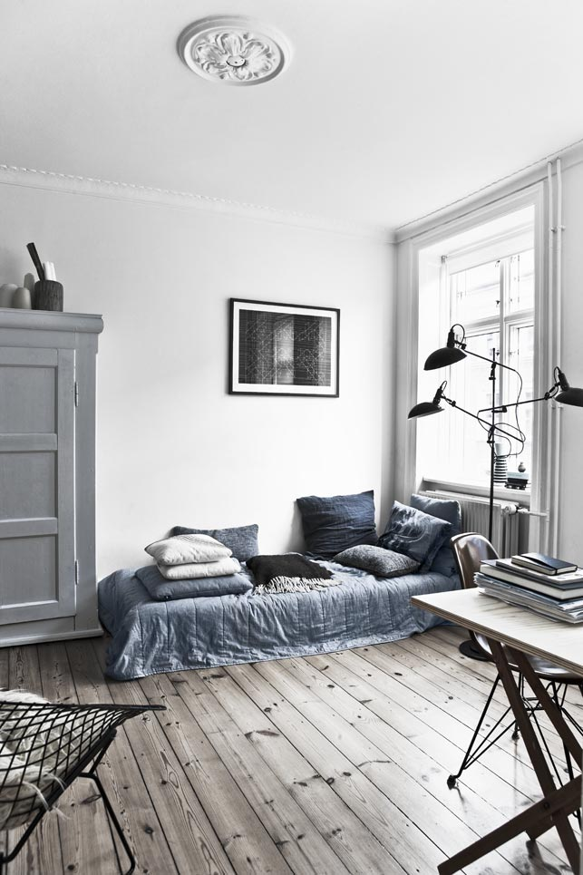 Warm and Inviting Nørrebro Apartment with Fab Vintage Finds_1