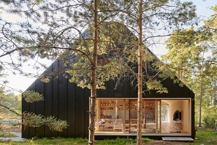 House Husaro in the Swedish Archipelago_1