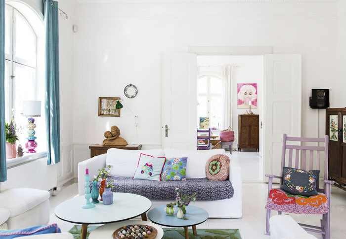 A-fun-and-colorful-interior-14