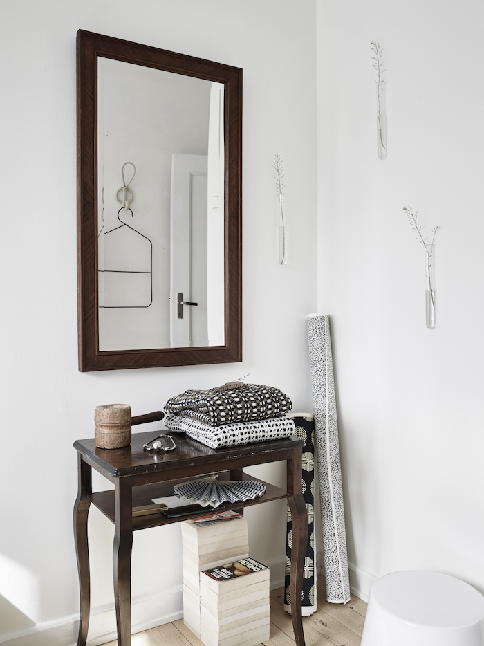 A harmonious mix of white and grey_8