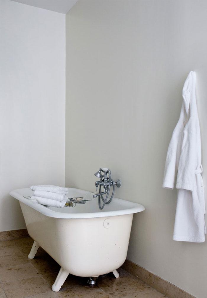 Airy-and-Nordic-Copenhagen-Apartment-13