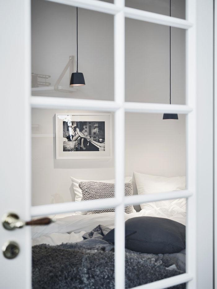 Beautiful-Swedish-studio-filled-with-design-05