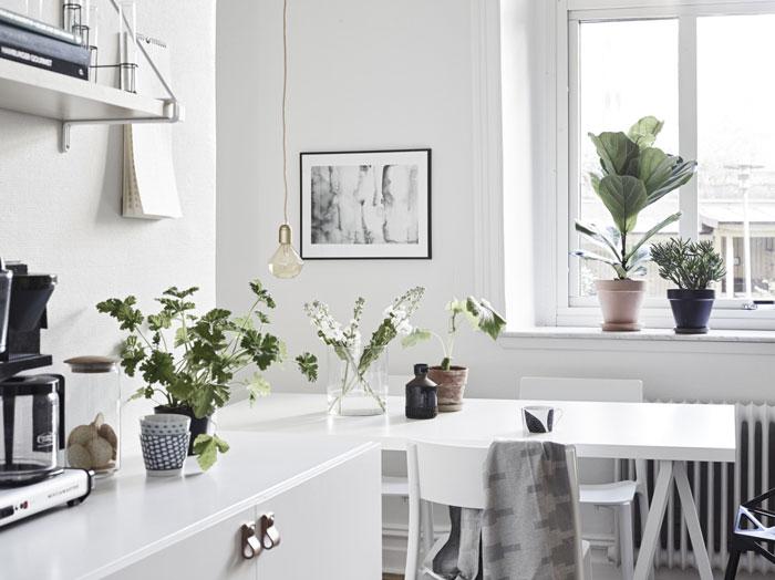 Beautiful-Swedish-studio-filled-with-design-09