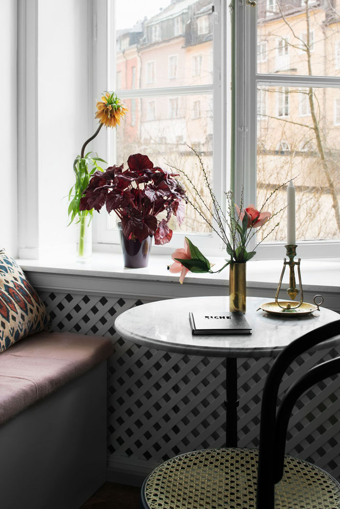 Chic-and-colorful-apartment-in-Stockholm-07