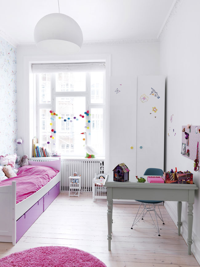 Feminine-Quirky-Colorful-Home-11
