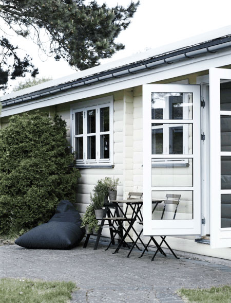 Danish-wooden-cottage-10