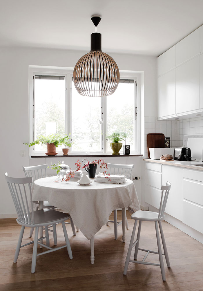 Bright-Scandinavian-Family-Home-03