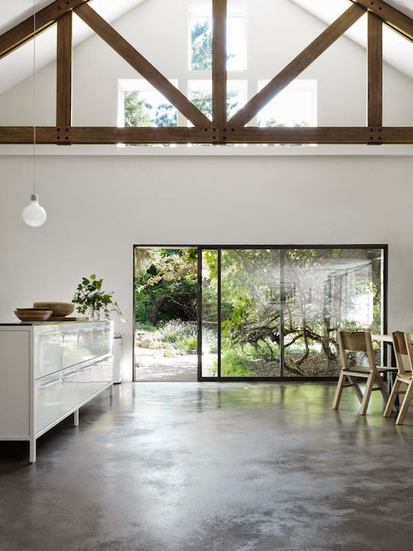 Hamptons-Home-with-Vipp-Kitchen-02