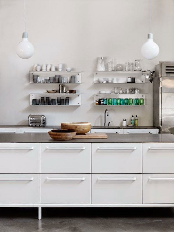 Hamptons-Home-with-Vipp-Kitchen-06
