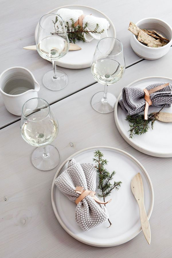 BJS2 ... & 15 Beautiful Scandinavian Inspired Holiday Table Settings - NordicDesign