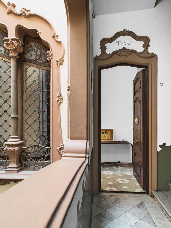 Barcelona-Apartment-with-Scandinavian-designs-01