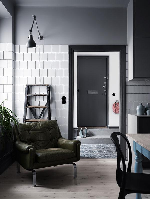 Dark-and-stylish-interior02