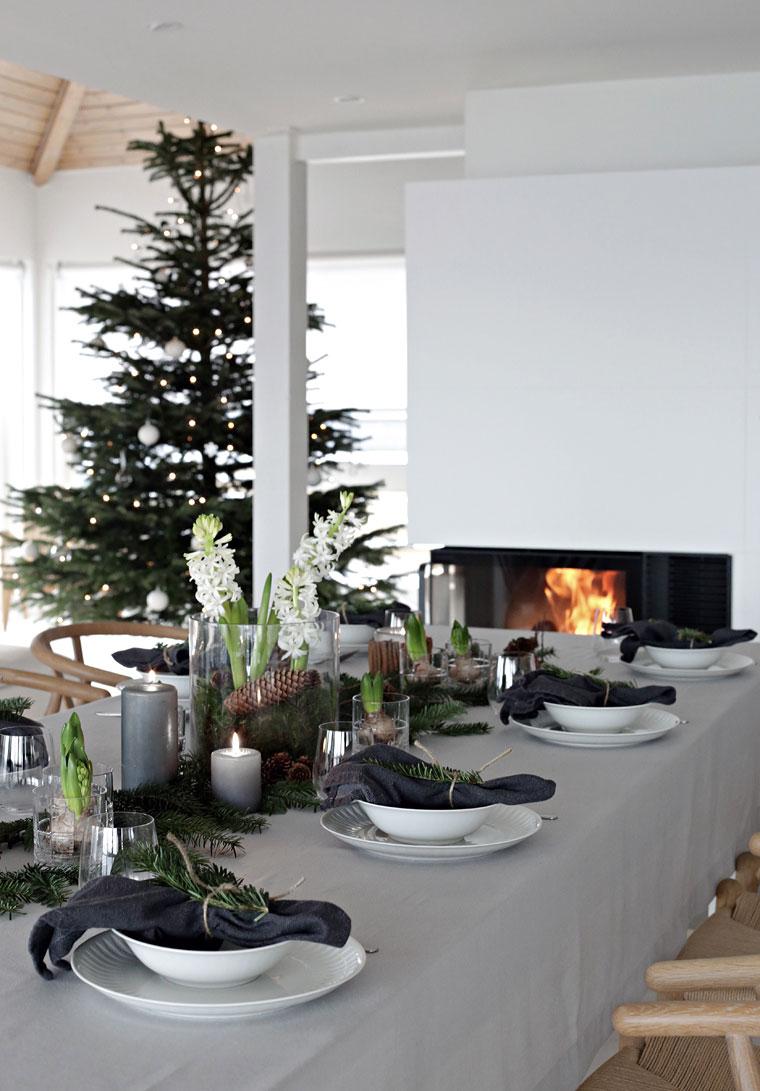15 Beautiful Scandinavian Inspired Holiday Table Settings. Christmas ... & 15 Beautiful Scandinavian Inspired Holiday Table Settings - NordicDesign