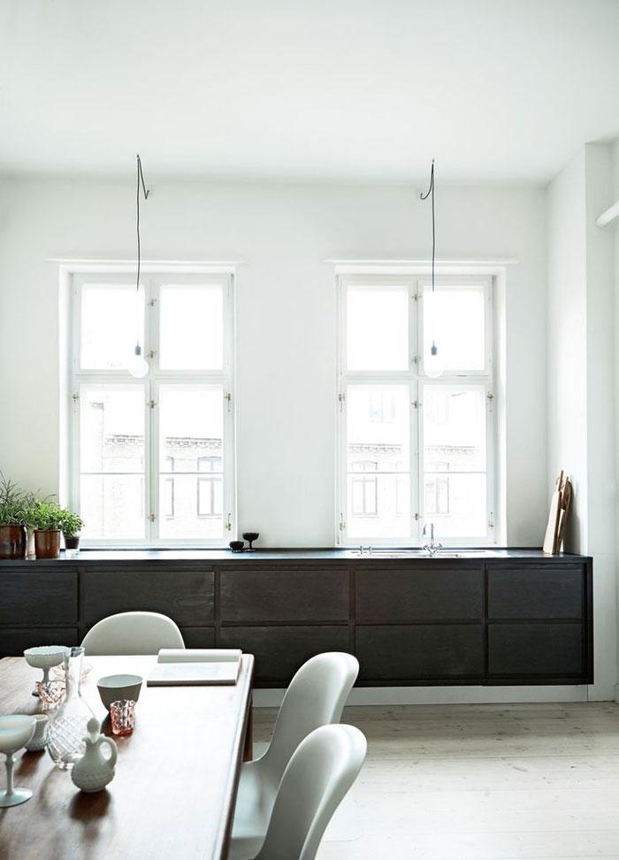 Spacious-and-Bright-Copenhagen-Apartment-03