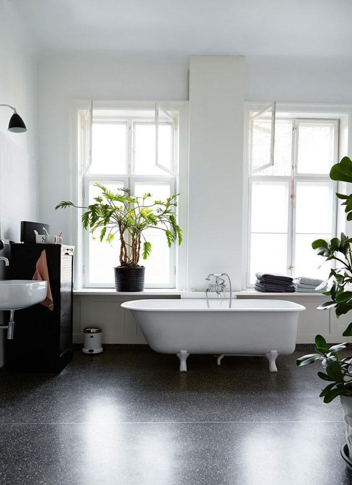 Spacious-and-Bright-Copenhagen-Apartment-06