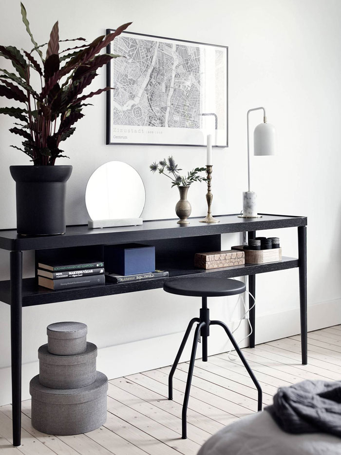 Black-and-white-interior-done-right-01