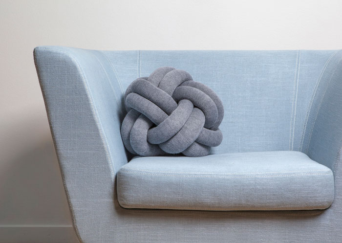 knot-pillow-cushion-ragnheidur-osp-sigurdardottir-design-house-stockholm-02