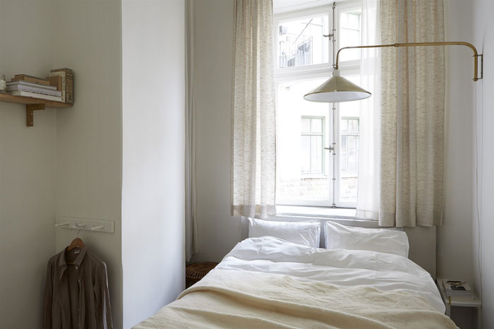 Apartment-in-Soft-Earthy-Tones-06