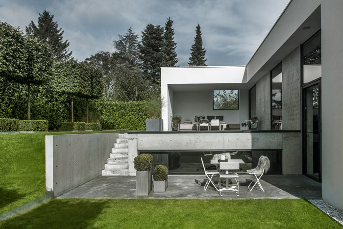 Concrete-and-timber-home-13