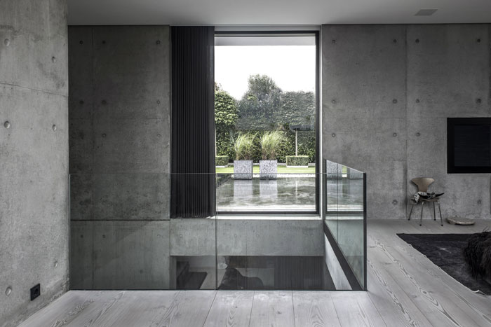 Concrete-and-timber-home-20