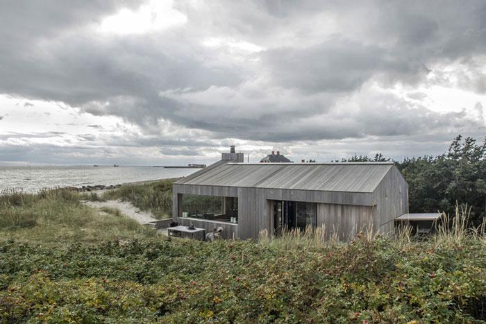 Summer-Cottage-in-Denmark-by-Ardess-01