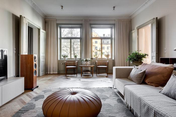 Elegant-Swedish-Apartment-Filled-with-Design-Classics-04