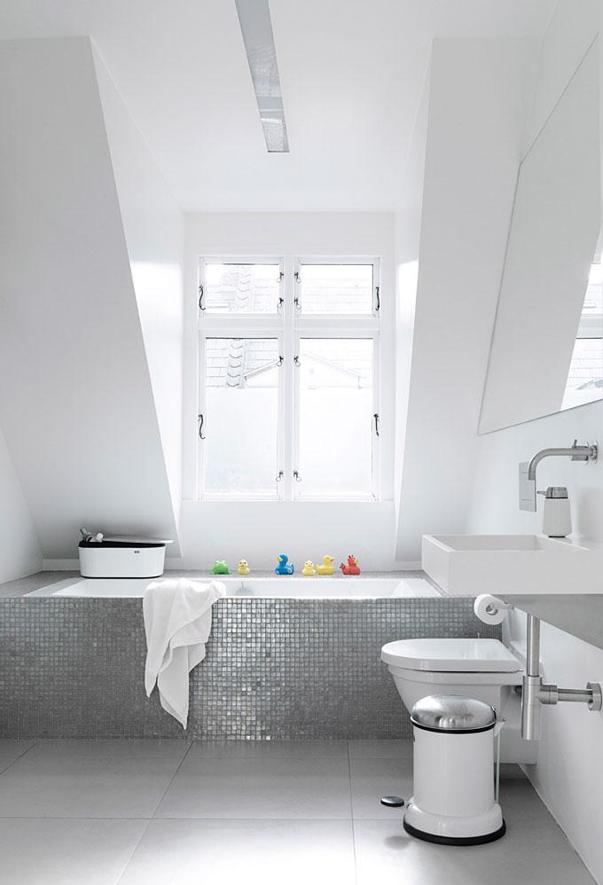 Vipp-Bathroom-Styles-NordicDesign-04